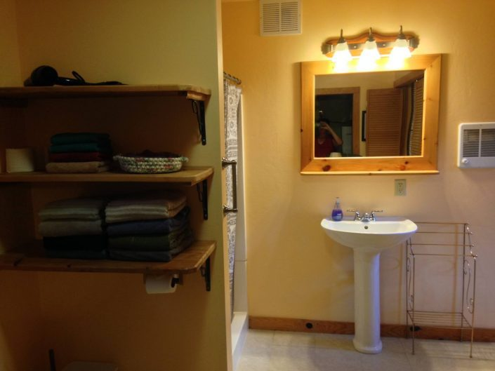 Poplar Rental Cabin Bathroom